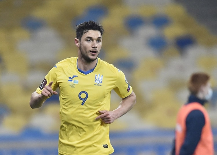 Roman Yaremchuk rose to 15th place in the historical register of scorers of the national team of Ukraine